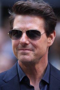 Tom Cruise antes de implantes dentales