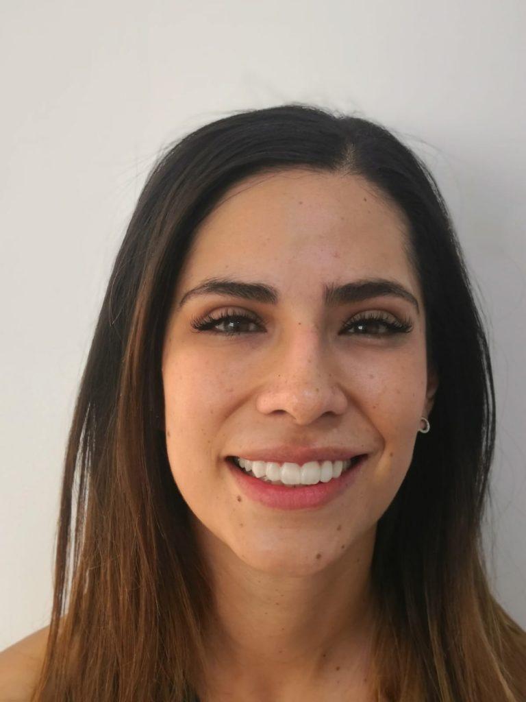 Fernanda Vélez, paciente con Carillas y Diseño de Sonrisa